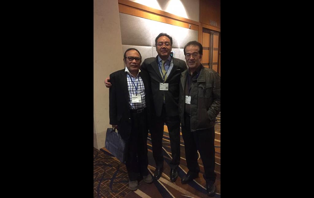 Dr Soriano como profesor del World Spine Congress de Lisboa Portugal 2018, con su amigos y prominentes Cirujanos de Columna Aloysius Darwono y Fujio Ito de Japon
